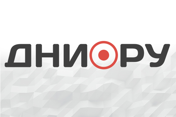 Кровля театра загорелась в Томске на площади 1,5 тыс. кв. м